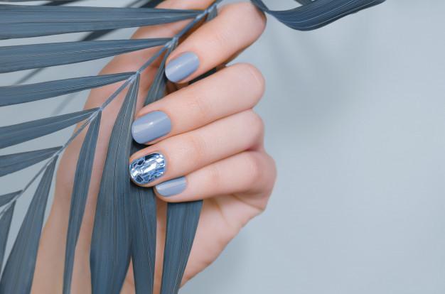 blå neglelak