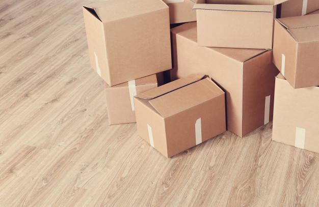 kasser til forsendelse